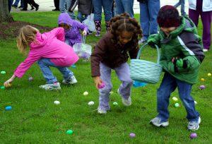 Oak Island Easter Egg Hunt @ Bill Smith Park